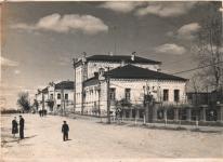 Дом-купца-Резникова.-С-1935-по-1941-гг.-в-нем-находилась-библиотека